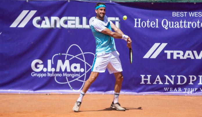 ZzzQuil Tennis Tour Luca Vanni