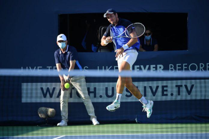 Ultimate-Tennis-Showdown-Elliot-Benchetrit