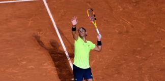 Leggere servizio avversario durante partita tennis Rafael Nadal Roma 2020